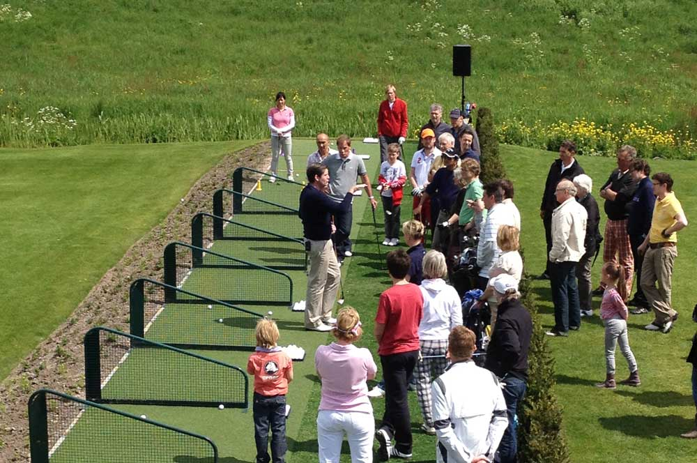 Golfschool en golfshop Fairway, golfles, golfclinics en golf trainingsfaciliteiten